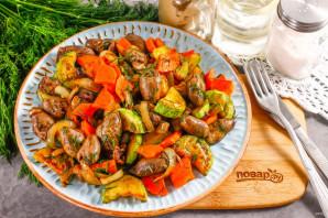 Теплый салат с куриными сердечками - фото шаг 7