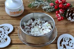 """Новогодний салат """"Селедка под снегом"""" - фото шаг 4"""