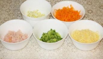 Лаваш с корейской морковкой и крабовыми палочками - фото шаг 1