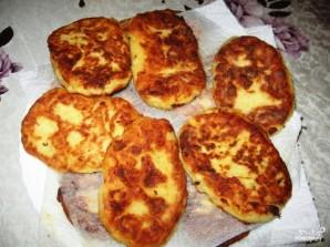 Картофельные котлеты с брынзой - фото шаг 5