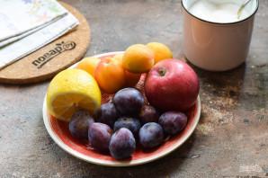 Компот из абрикосов, сливы и яблок на зиму - фото шаг 1
