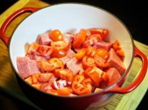 Мясо, тушенное в духовке - фото шаг 2
