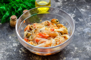 Тайский салат с морепродуктами - фото шаг 8