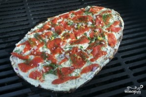 Пицца с лососем - фото шаг 8