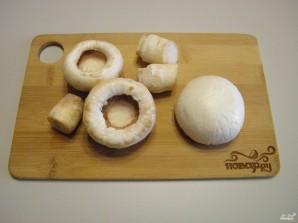 Фаршированные шампиньоны в духовке с сыром - фото шаг 2