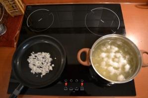 Сырный суп с сосисками - фото шаг 6