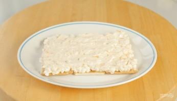 Лучший закусочный торт из крекеров и рыбной консервы - фото шаг 5