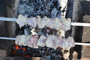 Шашлык из свиной лопатки - фото шаг 9