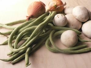 Тушеные грибы с овощами - фото шаг 1