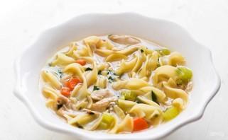 Вкусный куриный суп с лапшой - фото шаг 11