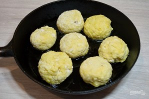Картофельные колобки с фаршем - фото шаг 9