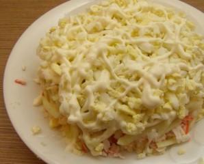 Крабовый салат с плавленым сыром - фото шаг 9