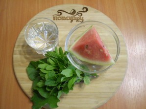 Зеленый коктейль с арбузом - фото шаг 1