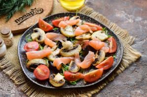 Салат с красной рыбой и шампиньонами - фото шаг 7