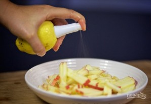 Салат с яблоками - фото шаг 2