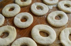 Пышные пончики на кефире - фото шаг 4