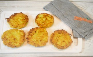 Оладьи из кабачков и картофеля - фото шаг 5