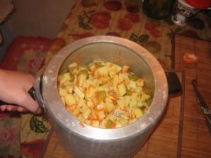 Курица с картошкой в скороварке - фото шаг 8