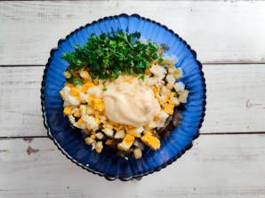 Салат из жареных баклажанов с майонезом - фото шаг 6