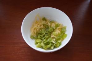 Салат с перцем и сыром - фото шаг 2