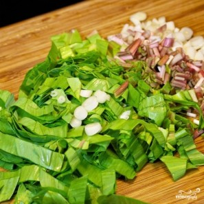 Салат из черемши с яйцом - фото шаг 4