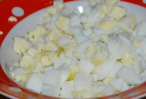 Блинчики с ливерной колбасой - фото шаг 3