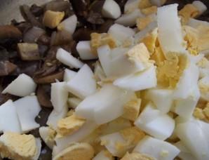Пирожки с грибами и яйцом - фото шаг 4
