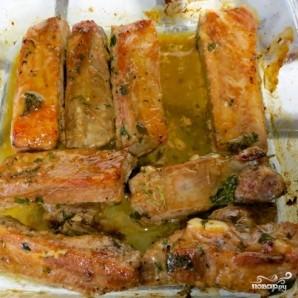 Свиные ребрышки в кефирном маринаде - фото шаг 7