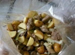 Баранина с картошкой в рукаве   - фото шаг 6
