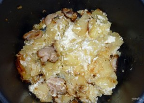 Запеченная курица с картошкой в мультиварке - фото шаг 4