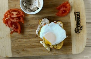 Кукурузный хлеб с маслом и яйцом - фото шаг 10