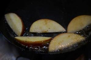 Большой салат с уткой, беконом, яблоками и апельсинами - фото шаг 5