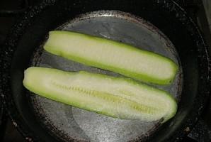 Рулетики из кабачков с сыром - фото шаг 2