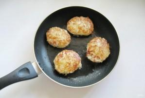 Куриные котлеты в картофельной стружке - фото шаг 7