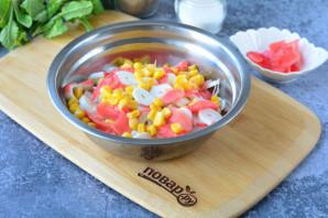 Салат с имбирем и крабовыми палочками - фото шаг 6