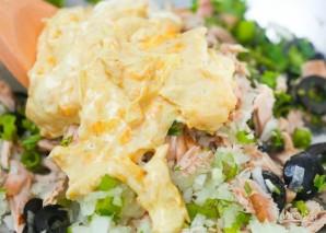 Салат с консервированным тунцом - фото шаг 3