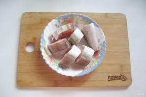Хек тушеный с луком и морковью - фото шаг 6