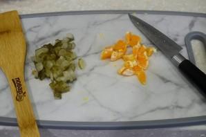 Салат с печенью и мандаринами - фото шаг 4
