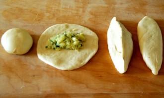 Картофельные пирожки в духовке - фото шаг 6