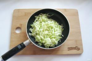 Омлет с сыром и кабачком - фото шаг 2