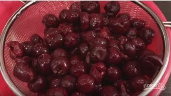 Постный вишневый пирог (нежный и рассыпчатый) - фото шаг 5