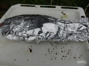Карп на углях в фольге - фото шаг 3