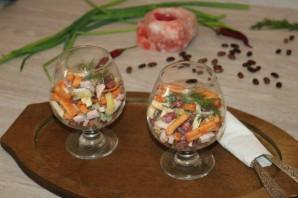 Салат с фасолью, ветчиной и сухариками - фото шаг 8