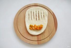 Сдобные булки с абрикосами - фото шаг 6