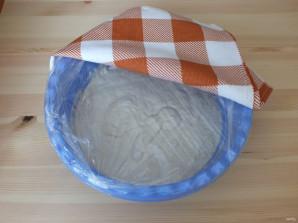 Оладьи на дрожжах и кефире без яиц - фото шаг 5