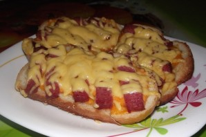 Бутерброды с колбасой жареные - фото шаг 5