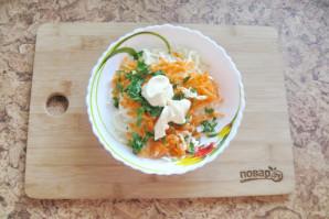 Салат из моркови и капусты с майонезом - фото шаг 5