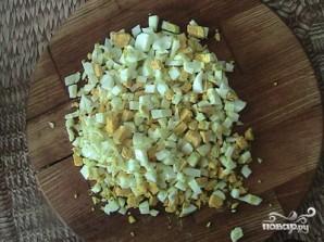 Салат с морской капустой и кукурузой - фото шаг 3