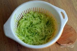 Оладьи из кабачков на сковороде - фото шаг 2