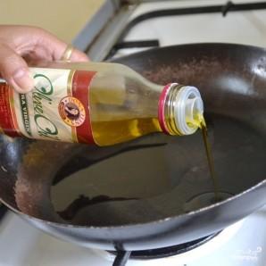 Свиная корейка на сковороде - фото шаг 1
